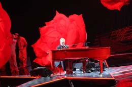 Red Piano show